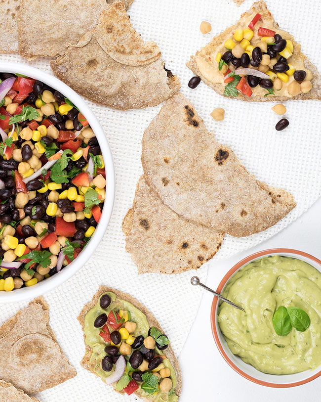Mixed bean salad with flatbread