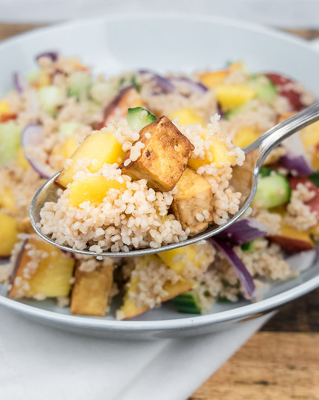 Nectarine salad with couscous and tofu