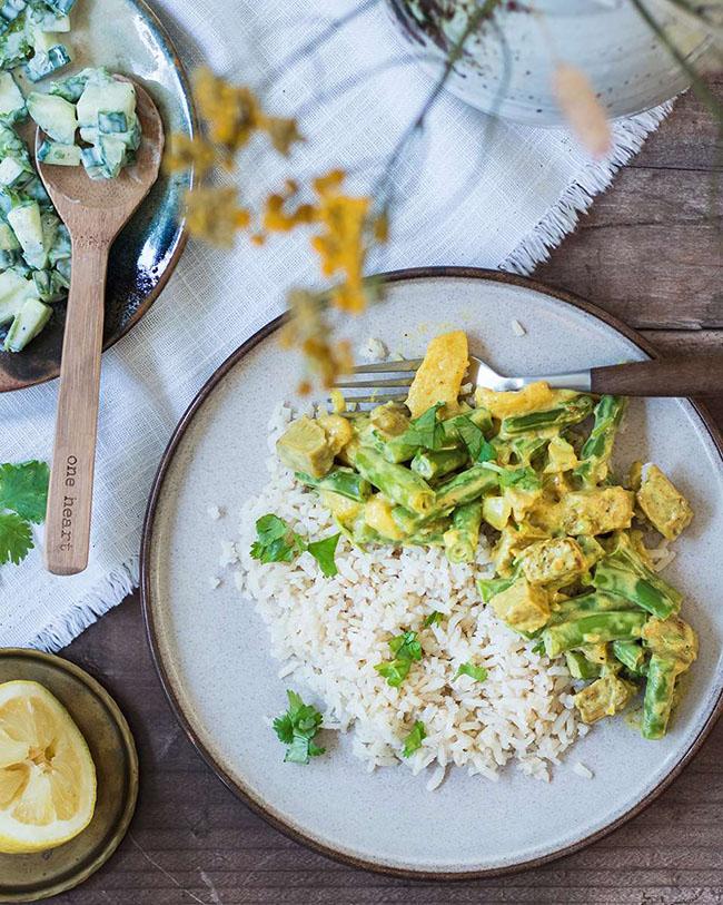 Vegan tandoori with cucumber raita